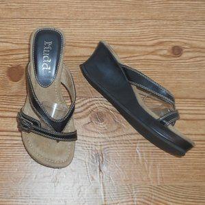 Mudd  low platform sandal wedges NWOT